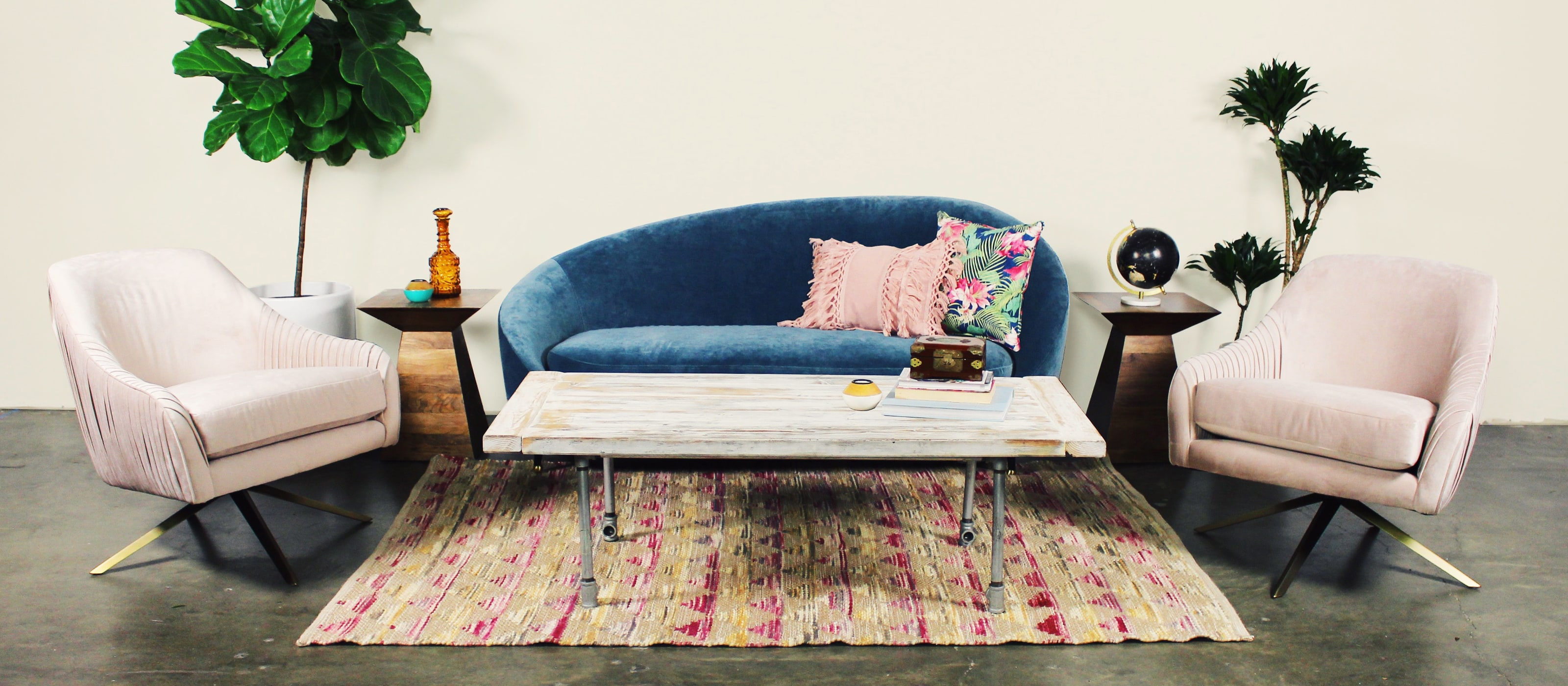 Header_Blue Sofa Lt Pink BG